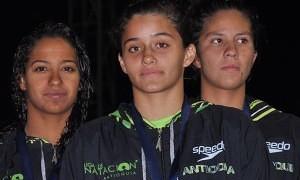 Relevos femeninos con records nacionales absolutos